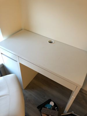 Ikea study desk (ivory color) for Sale in Brookline, MA
