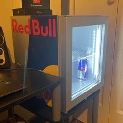 🔥Brand New Red Bull Mini Refrigerator.💥(MINT CONDITION)💥 for Sale in Buford,  GA