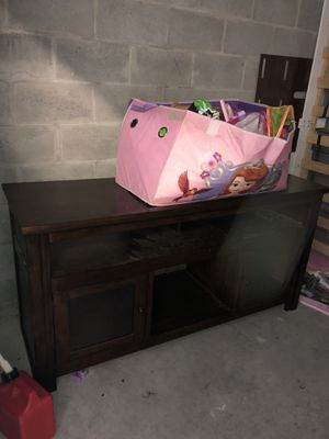 Used TV Table Stand for Sale in Alafaya, FL