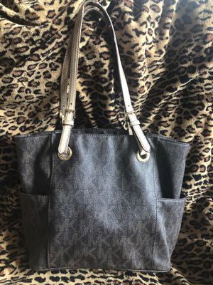 Michael Kors Signature Med Tote for Sale in Minneapolis, MN