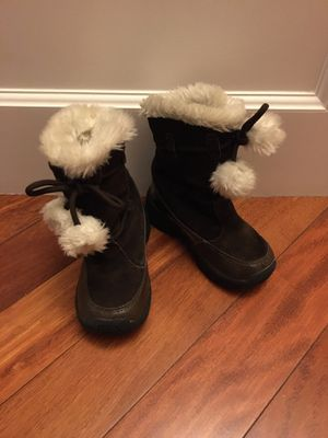 Girls size 11 winter boots for Sale in Everett, WA