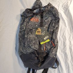 REI Limited Issue Flash 18 Bag for Sale in Canton,  OH