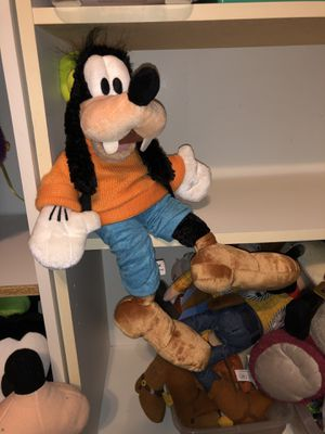 "Disney Large Goofy plush doll 19"" tall! for Sale in Phoenix, AZ"