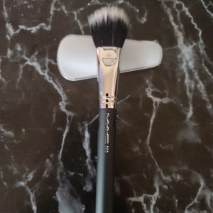 Brush for Sale in Moreno Valley, CA