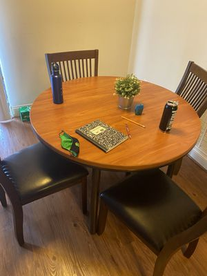 Table and chair set for Sale in Washington, DC