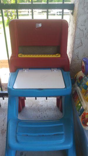Crayola kids easel desk for Sale in Avondale, AZ