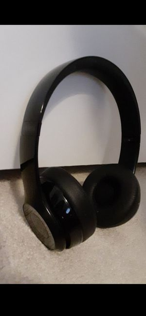 Black solo 3 wireless bluetooth headphones for Sale in Columbus, OH