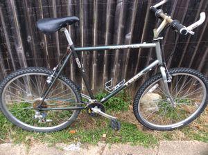Trek 820 mountain track mountain bike for Sale in Dallas, TX