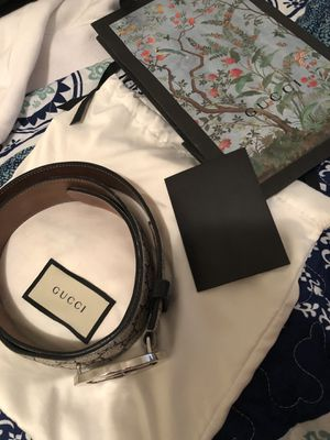 Gucci belt for Sale in Victorville, CA