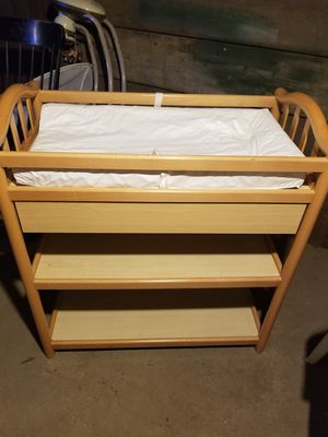 Changing table for Sale in Ansonia, CT