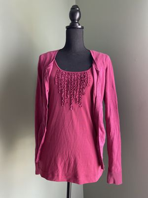Magenta blouse with matching cardigan for Sale in Manassas, VA
