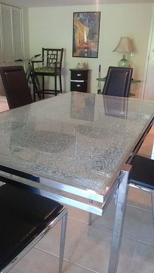 Georgeous Glass Dining Room Table for Sale in Palm Beach, FL