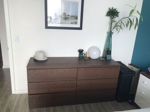 Dresser + night stands for Sale in Chicago, IL
