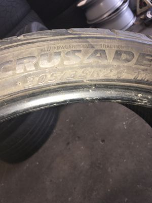 Used tire 305 35 24 crusade for Sale in Nashville, TN
