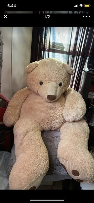 Giant Teddy Bear for Sale in Hesperia, CA