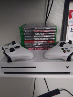 X BOX ONE S W 10 GAMES,2 CONTROLLERS for Sale in Moreno Valley, CA