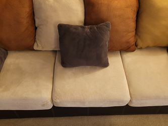 Comfy Couch + Pillows for Sale in Alhambra,  CA