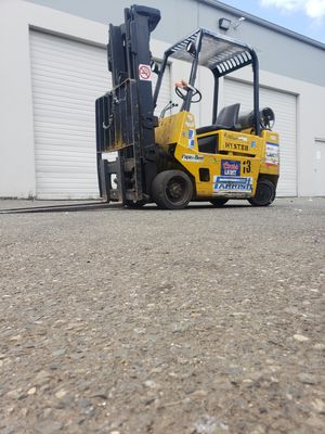 "8450 pound Hyster Forklift 187"" load height propane fuel for Sale in Auburn, WA"