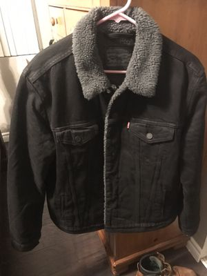 Men's Levi's sherpa jacket for Sale in Chino Hills, CA