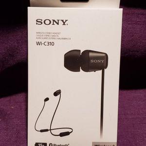 Sony Earbudsb for Sale in Clinton Township, MI