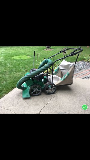 """Billy Goat leaf vacuum with a 2"""" chipper for Sale in Bay City, MI"""
