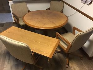 """44"""" Kitchen table with 18"""" leaf, Formica table surface for Sale in Parma Heights, OH"""
