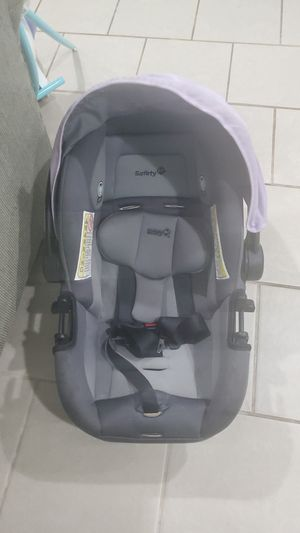 Car seat free for Sale in HOFFMAN EST, IL
