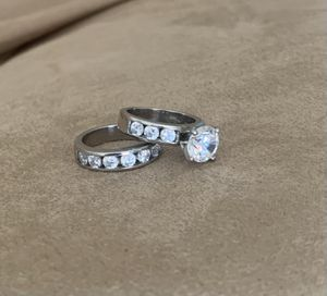 Engagement ring and matching wedding band for Sale in Odenton, MD