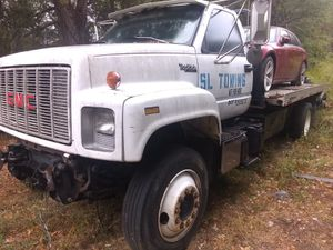 Chevy topkick wrecker tow truck for Sale in Stone Mountain, GA