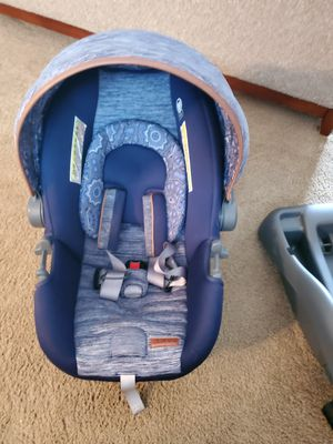 Stroller and car seat witth base for Sale in Springfield, OR