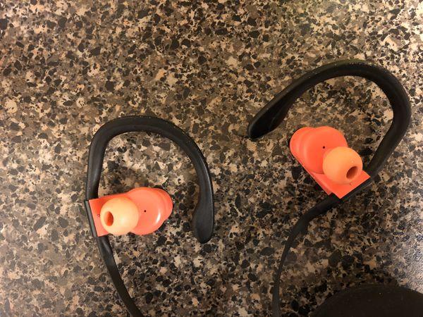 Power Beats 3 headphones