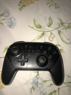 Nintendo switch pro controller almost new for Sale in Miami, FL