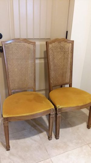 Chairs for Sale in Yuma, AZ