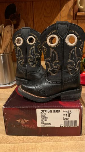 Boots for Boy for Sale in Fort Worth, TX