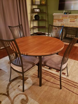 Dinning table for Sale in Akron, OH