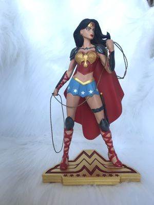Wonder Woman Statue Collectable for Sale in Salinas, CA