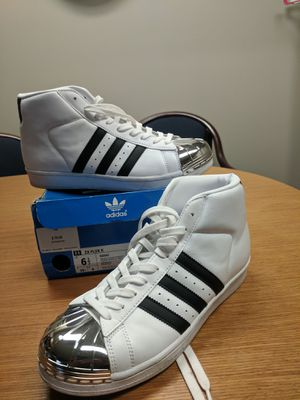 Adidas size 8 for Sale in Millersville, MD