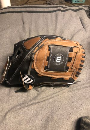 Wilson baseball glove for Sale in Upland, CA