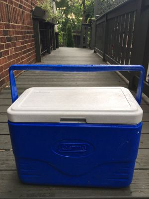 Coleman Cooler w handle for Sale in Pittsburgh, PA