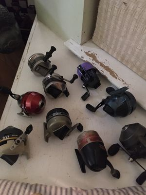 9 fishing reels spinning reels in picture Zebco, Shakespeare and one free kids reel for Sale in Dallas, TX