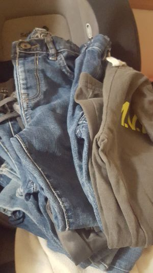 7 jeans and 2 pans for Sale in Round Lake Beach, IL