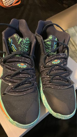 Kyrie Irving shoes for Sale in Las Vegas, NV