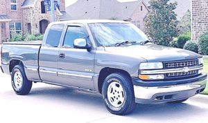 ֆ12OO 4WD CHEVY SILVERADO 4WD for Sale in Silver Spring, MD