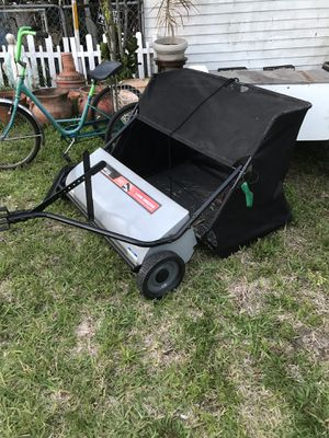 Large yard sweeper for Sale in West Palm Beach, FL