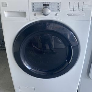 Kenmore Front Load Washer for Sale in Las Vegas, NV