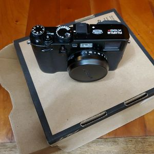 Fuji X100F Lightly Used Camera for Sale in Irvine, CA