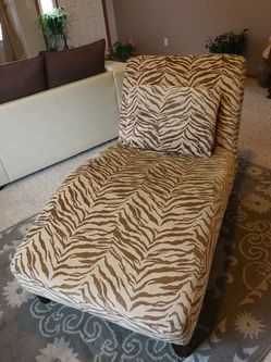 Chaise Longue Sofa Chair for Sale in Parker,  CO