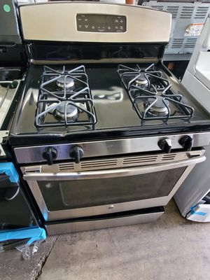 GE GAS STOVE STAINLESS STEEL for Sale in Santa Ana, CA