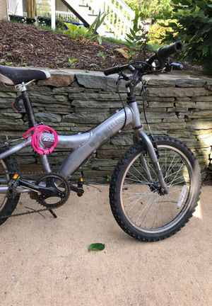 Kids mountain bike, size 20, age 5-8 for Sale in Arlington, VA