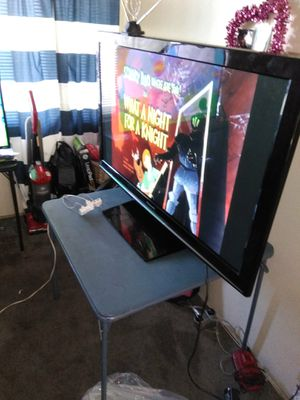 52inch flat screen TV work great big TV has 3 HDMI input for Sale in Los Angeles, CA